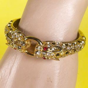 Jewelry - Vintage Gold Tone Double Headed Cat Clasp Bracelet